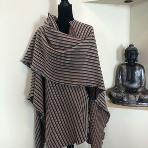 NWT Italian Lines reversible wrap made in Italy